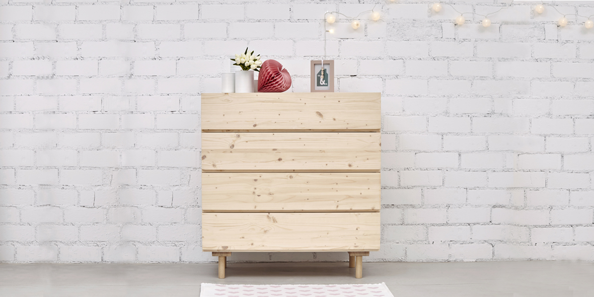comoda madera natural con nudos