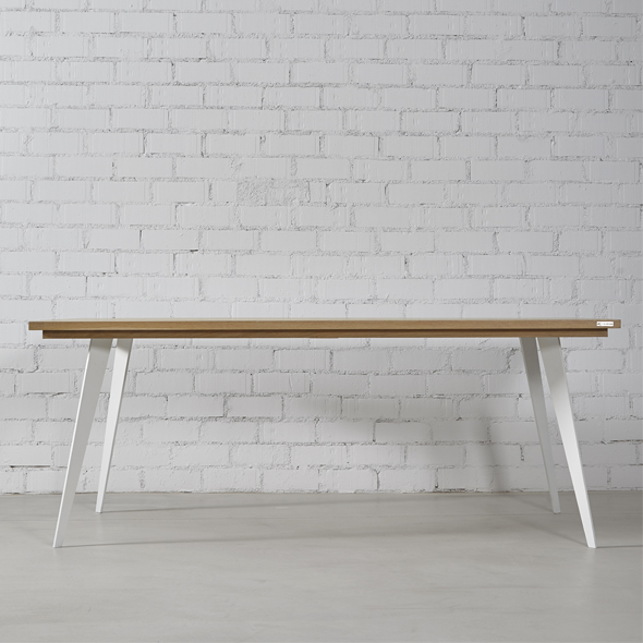 mesa comedor madera natural y hierro