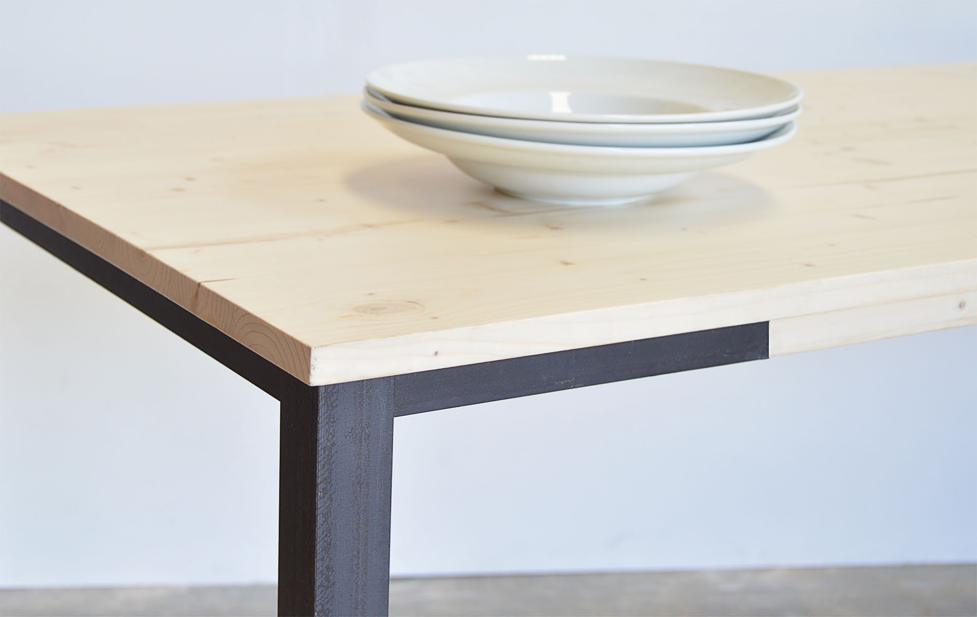 mesa pata hierro