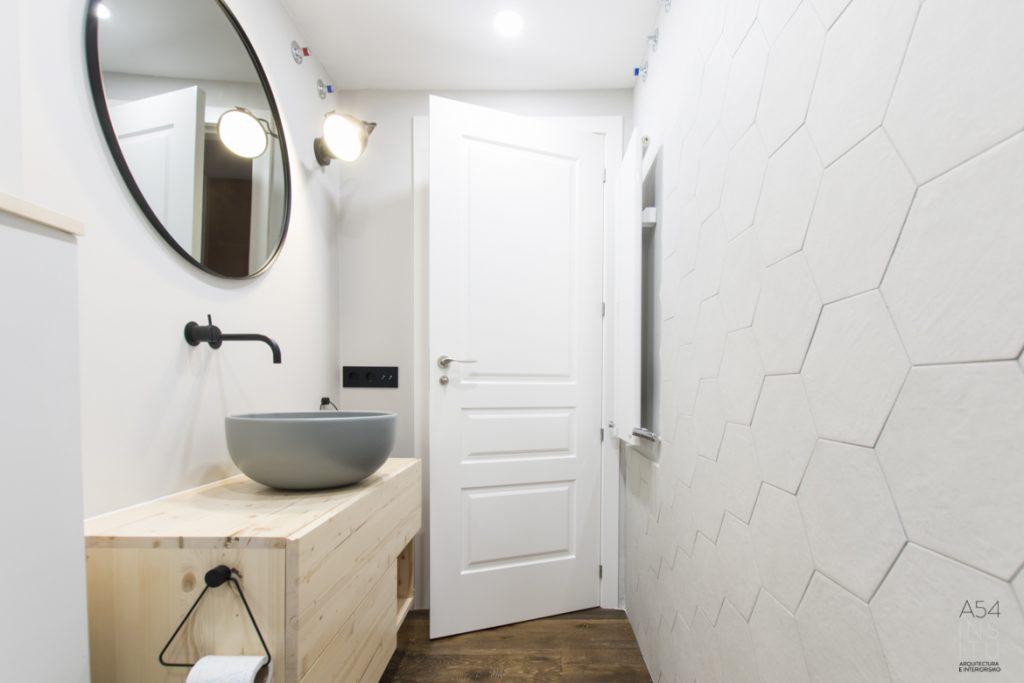 mueble baño diseño en madera natural