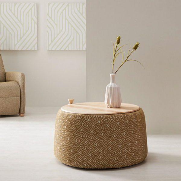 mesa de centro con tapa madera natural y tapizado